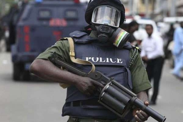 Photo of SARS officers reportedly shoot two traders while chasing Yahoo boys