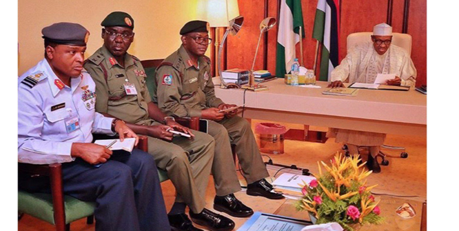 Photo of Breaking: President Buhari in closed door meeting with Service Chiefs