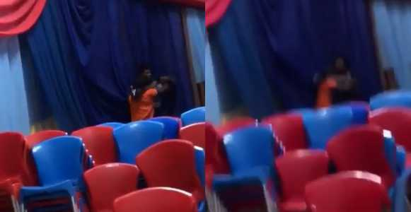 Photo of Nigerian student fights his lecturer for trying to seize his phone (Video)