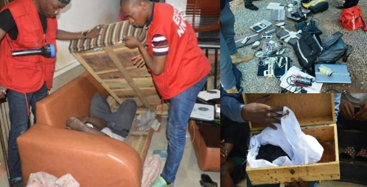 Photo of 32 Yahoo boys arrested in Ogun State
