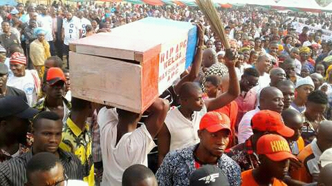 Photo of APC members in Rivers dump party for PDP
