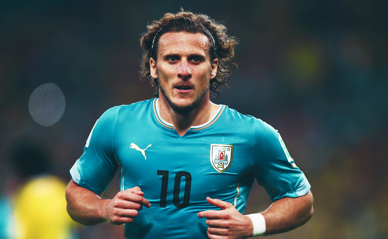 Photo of Former Atletico & Man U star, Diego Forlan retires